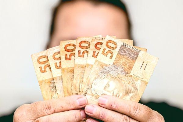 Simpatia de Ano Novo Para Atrair Dinheiro